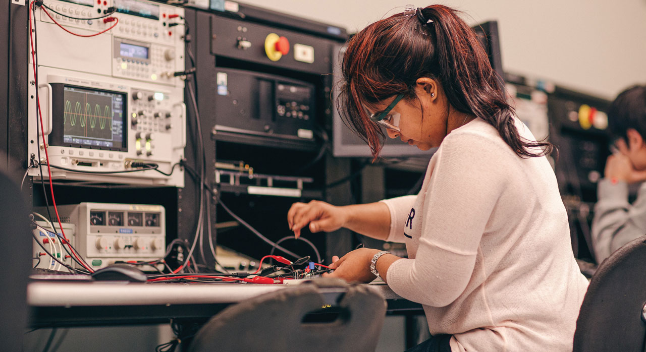 Electronics Engineering Technology - Seneca, Toronto, Canada
