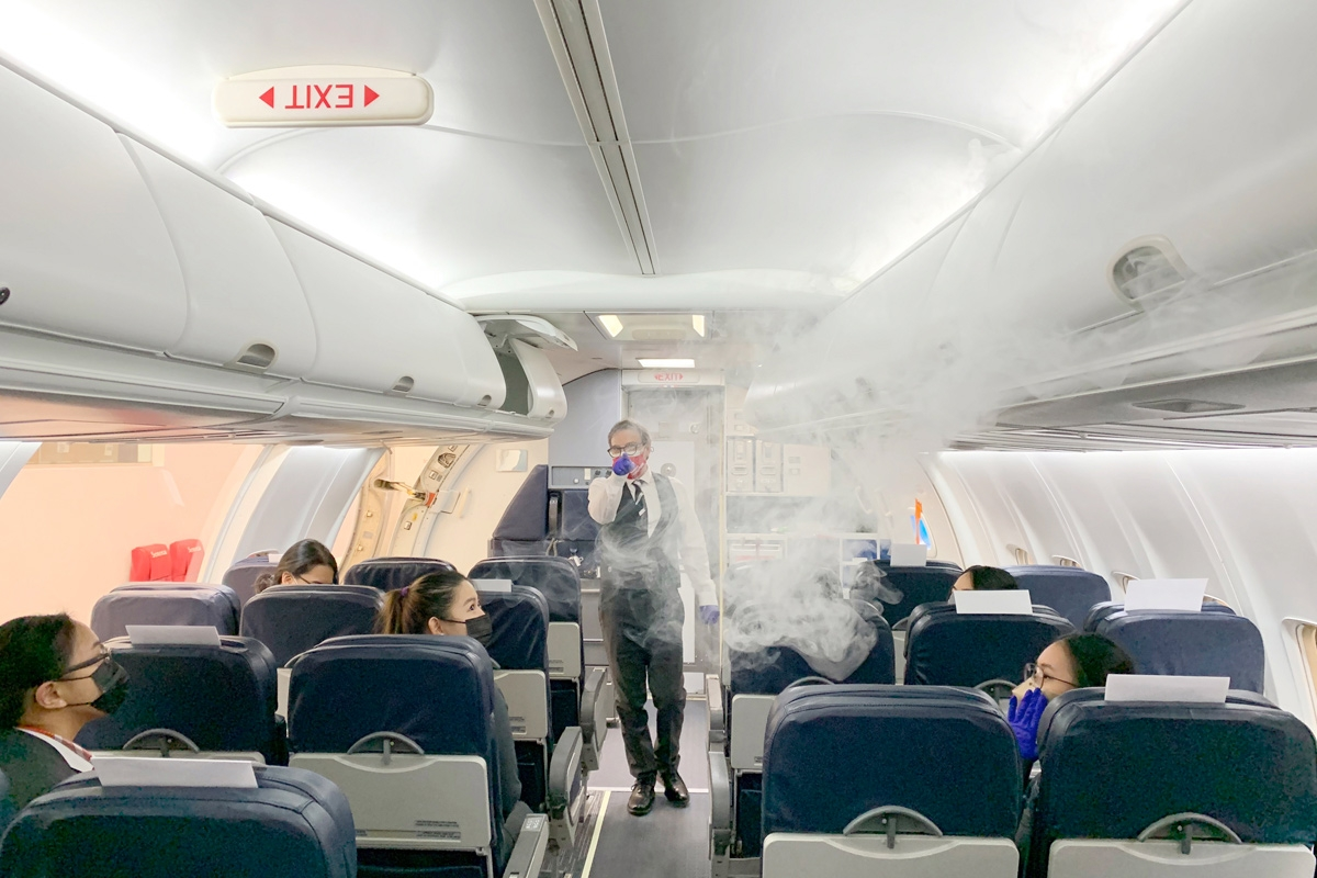 Smoke simulation in B737 aircraft trainer