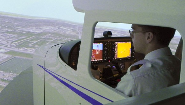 Man training in C172 G1000 Glass Cockpit FTD